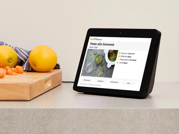 Amazon lancia in Italia Echo Show: disponibile da 229,99 Euro