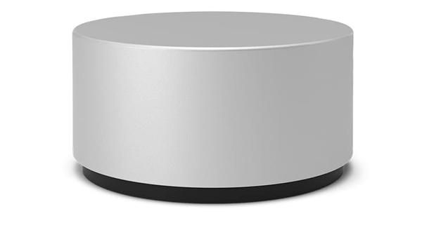Microsoft: La linea Surface sta andando molto bene