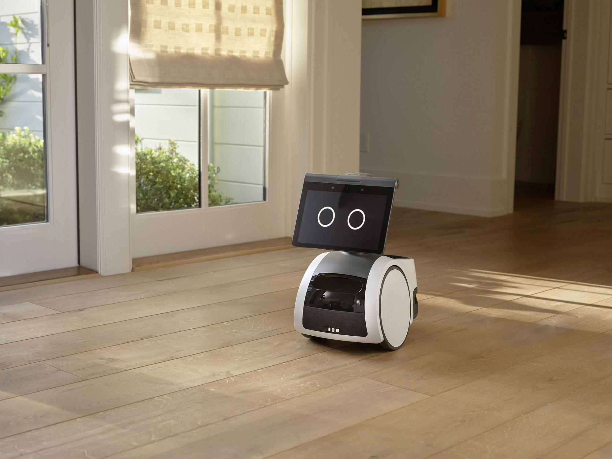 Amazon Astro è il primo robot autonomo per la casa! Ti segue, parla con te e sorveglia la casa