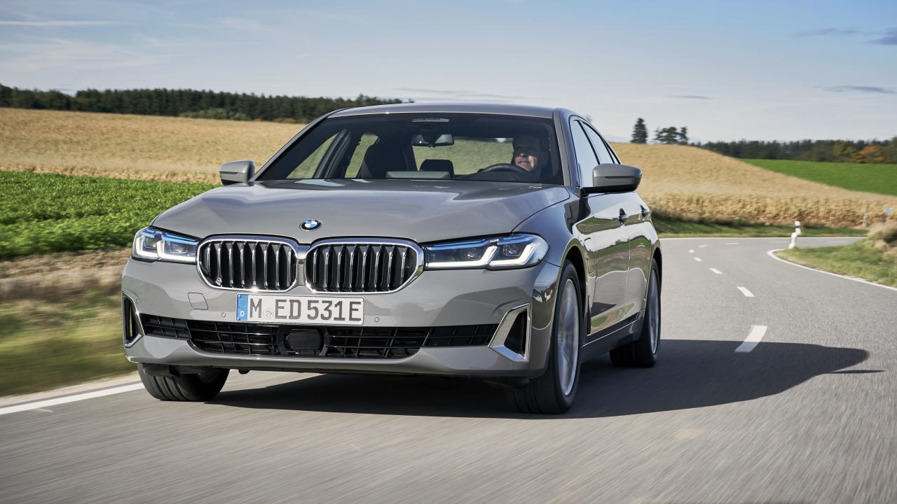 BMW520e_720.jpg