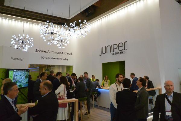 Juniper Networks aleato con ericsson MWC2019.jpg