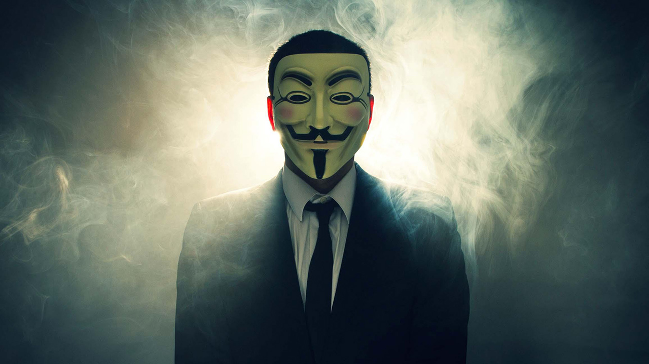 """Elon Musk minacciato da Anonymous per i tweet su Bitcoin: """"Aspettaci, stiamo arrivando""""   VIDEO"""