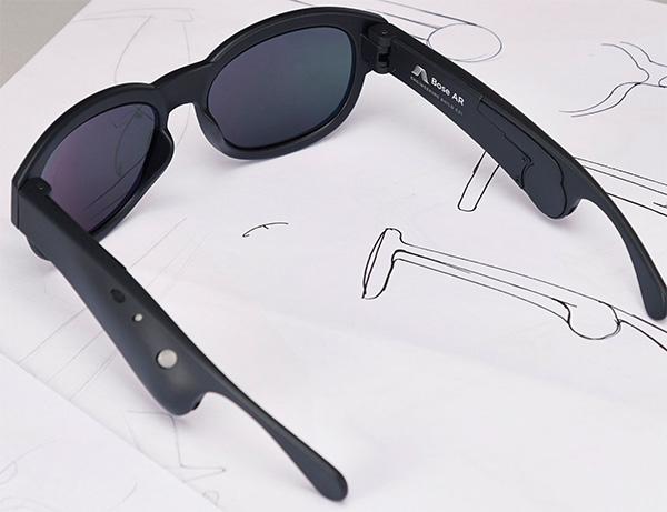 Occhiali smart che usano l'audio
