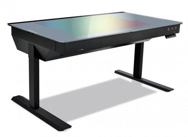 lian_li_gaming_desk_1.jpg