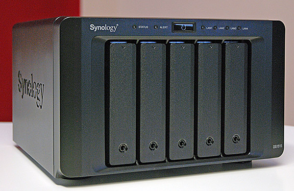 synology_ds1515.jpg (93852 bytes)